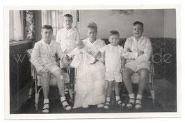 Alte Fotografie FÜNF BRÜDER MIT IHRER KLEINEN SCHWESTER, 1930er Jahre