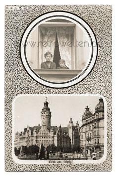 Alte Postkarte GRUSS AUS LEIPZIG Rathaus, Frau und Mädchen am Fenster - 1911