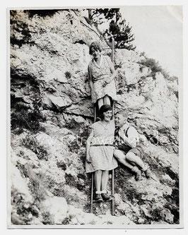 Alte Fotografie WANDERER AUF DEM KLETTERSTEIG, 1930