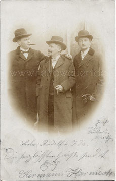 Alte Fotografie Postkarte DREI FREUNDE AUS LEIPZIG  1901