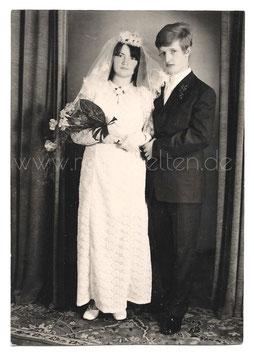 Alte Fotografie HOCHZEIT  junges Brautpaar, 1960er Jahre