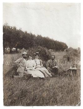 Alte Fotografie DAS FRÜHSTÜCK IM GRÜNEN um 1900
