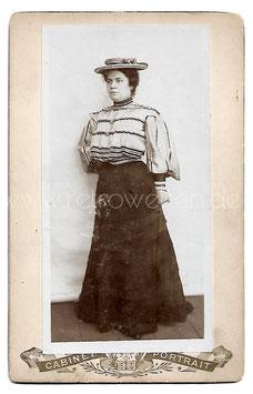 Alte Kabinett Fotografie FRAU MIT GESTREIFTER BLUSE UND HUT, Mode um 1905