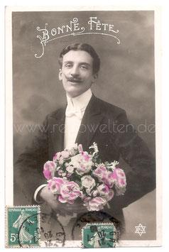 Alte Fotografie Postkarte BONNE FÊTE  eleganter Mann mit Rosenstrauß