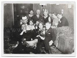 Alte Fotografie FASCHING Personen feiern eine Party, 1920er Jahre
