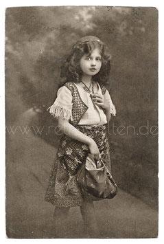 Alte Fotografie Postkarte DIE KLEINE HÜBSCHE MIGNON, 1912