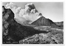 Alte Postkarte NEAPEL NAPOLI - Vesuvio Vulkan - Il conetto nell'interno del cratere, Italien 30er Jahre