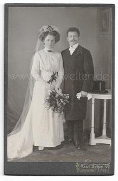 Alte Kabinett Fotografie HOCHZEIT elegantes Brautpaar aus Wittgensdorf, um 1910