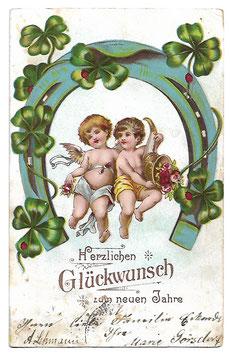 """Alte Lithografie Postkarte """"HERZLICHEN GLÜCKWUNSCH ZUM NEUEN JAHRE"""" Engel mit Füllhorn, Hufeisen, Glücksklee 1903"""