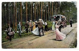 Alte Postkarte PAARE TANZEN AUF EINER LANDSTRAßE, 1909