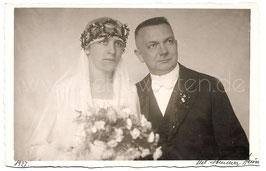 Alte Fotografie Postkarte HOCHZEIT  Brautpaar aus den 1920er Jahren