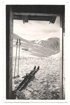 Alte Künstler Postkarte MERAN-AVELENGO  WINTERLANDSCHAFT MIT SKIERN, 1937