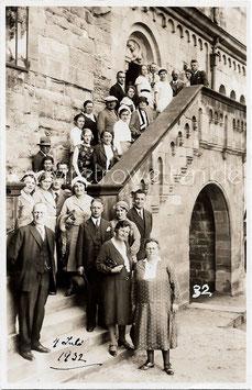 Alte Foto Postkarte EISENACH - PERSONEN AUF DER WARTBURG, 1932