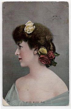 Alte Foto Postkarte  DIE SCHAUSPIELERIN MISS RUBY RAY MIT ROSEN IM HAAR