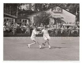 Alte Fotografie KLEINE ROLLKUNSTLÄUFER ROLLSCHUHLÄUFER, Sport 1930er Jahre