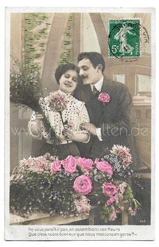 Alte Foto Postkarte LIEBESPAAR MIT BLUMEN, 1908