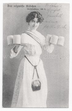 Alte Foto Postkarte DAS REIZENDE MÄDCHEN hübsche Kellnerin mit Bierkrügen, 1904