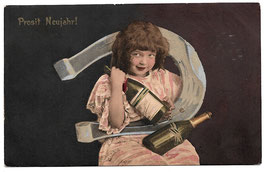 """Alte Postkarte """"PROSIT NEUJAHR!"""" Mädchen mit Hufeisen und Sektflaschen, 1907"""