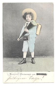 Alte Fotografie Postkarte  EINSCHULUNG  kleiner Junge mit Schultüte und Schulranzen, 1911