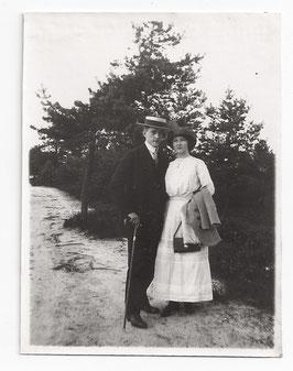 Alte Fotografie ELEGANTES JUNGES PAAR IN SOMMERKLEIDUNG, Mode um 1910