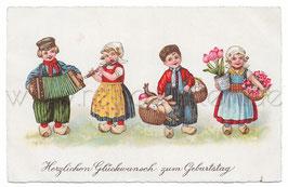 Alte Postkarte  HERZLICHEN GLÜCKWUNSCH ZUM GEBURTSTAG  Kinder in niederländischer Tracht bringen Geschenke