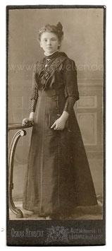 CDV Fotografie KONFIRMANDIN MIT GEBETSBUCH um 1910