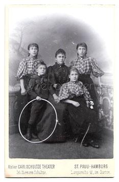 Alte Kabinett Fotografie JUNGE MUTTER MIT IHREN VIER KINDERN, Hamburg um 1890