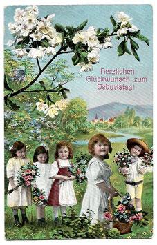 Alte Postkarte  HERZLICHEN GLÜCKWUNSCH ZUM GEBURTSTAG  Kinder mit Blumen
