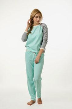 Schlafanzug Damen Set aus weichem Velours in hellgrün