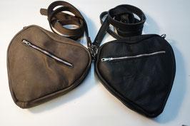 Handtasche in Herzform