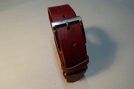 Roter Ledergürtel
