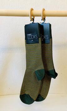 Socken - grün mit hellen Streifen