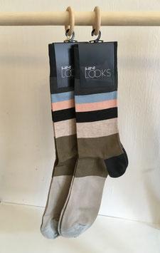 Gestreifte Socken in Frühlingsfarben