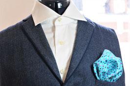 Tuch - hell blau/türkis mit kleinem Muster