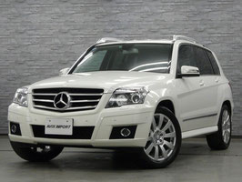 Mercedes-Benz GLK300 Sport Interior