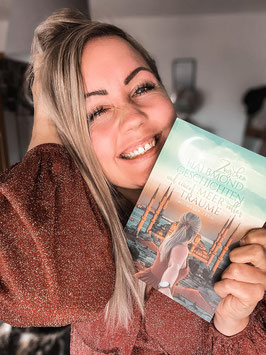 """Mein Buch """"Zwischen Halbmondgeschichten und einem Meer voller Träume"""""""