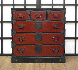 岩谷堂箪笥 二・八赤黒整理上三つ割 肌金具