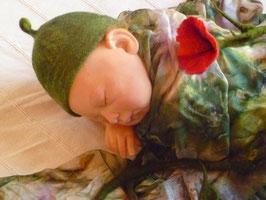 Grüne Kappe mit Kringelzipfel für Elfenbabys