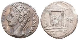 Augustus - Denar - Triumphwagen in Tempel - s.sch.-
