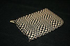 鹿漆革(印伝)がまぐち   名刺・カード入れ:変わり市松模様/黒革/白漆