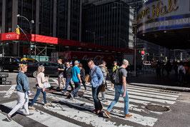 NEW YORK - WE WALK ON THE LINE