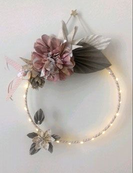 Couronne florale lumineuse - taille moyenne -