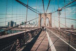 9979 - Auf der Brooklyn Bridge, USA