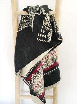 alpaca blanket black/red