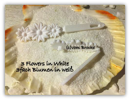 """Süße Baby Schleifchen  """" Dreifach Blumen in Weiß """"  / Puppy """" 3 Flowers in White   """""""