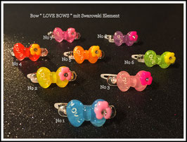 "WelpenHaarSpange "" LOVE mit Swarovski Element  in der Blume """
