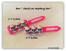 Limted Edition !!!! Skulls (3) on raspberry bow
