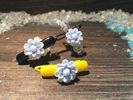 """WelpenHundehaarSpange Blume  2,7cm """" Gänseblümchen Zartblau """""""