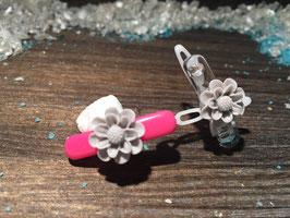 """WelpenHundehaarSpange Blume 2,7cm  """" Gänseblümchen Grau """""""
