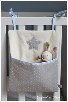 Pochette de rangement pour lits à barreaux écrue et taupe clair étoilé